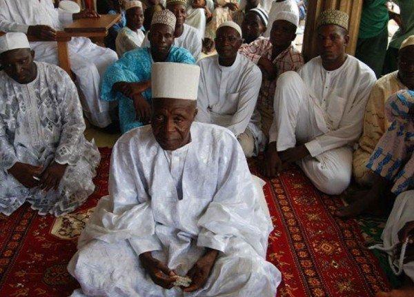 زواج رجل نيجيري من 107 امرأة 1483891186534.jpg