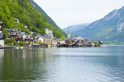 بحيرة موند السياحية النمسا