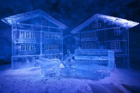 جولة فى القصر الجليدي 1487160253272.jpg