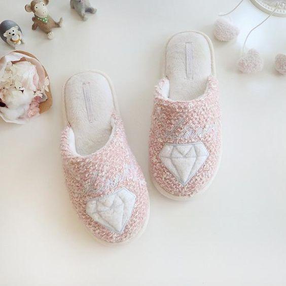 اجمل تشكيلة احذية شتوية للبيت 2018 1515665476711.jpg