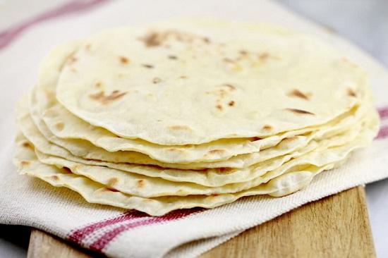 طريقة عمل خبز التورتيلا 2018 1516101626851.jpg