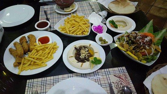 موقع ورقم تليفون مطعم بوابة الشرقية الخبر 1516276221091.jpg