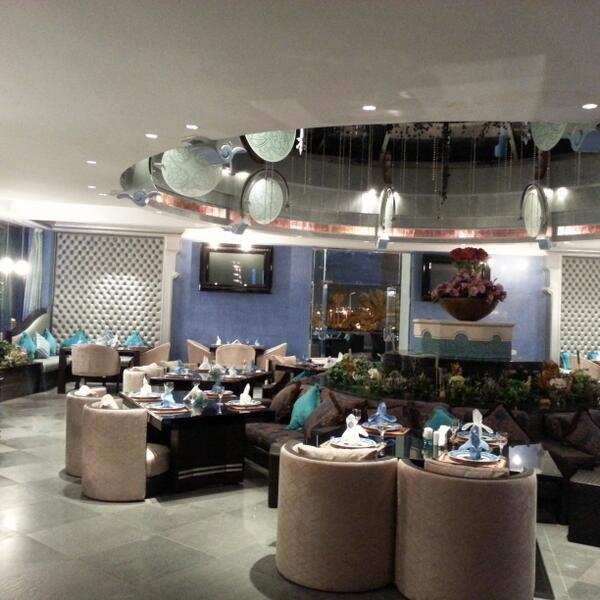 مطعم فيروز قاردن الرياض 1517481135281.jpg