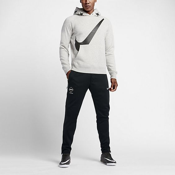 احدث ملابس رجالية رياضية بتصميمات