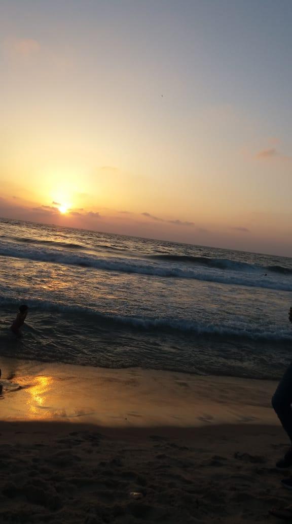 شايف البحر كبير البحر بحبك 1536040189534.jpg