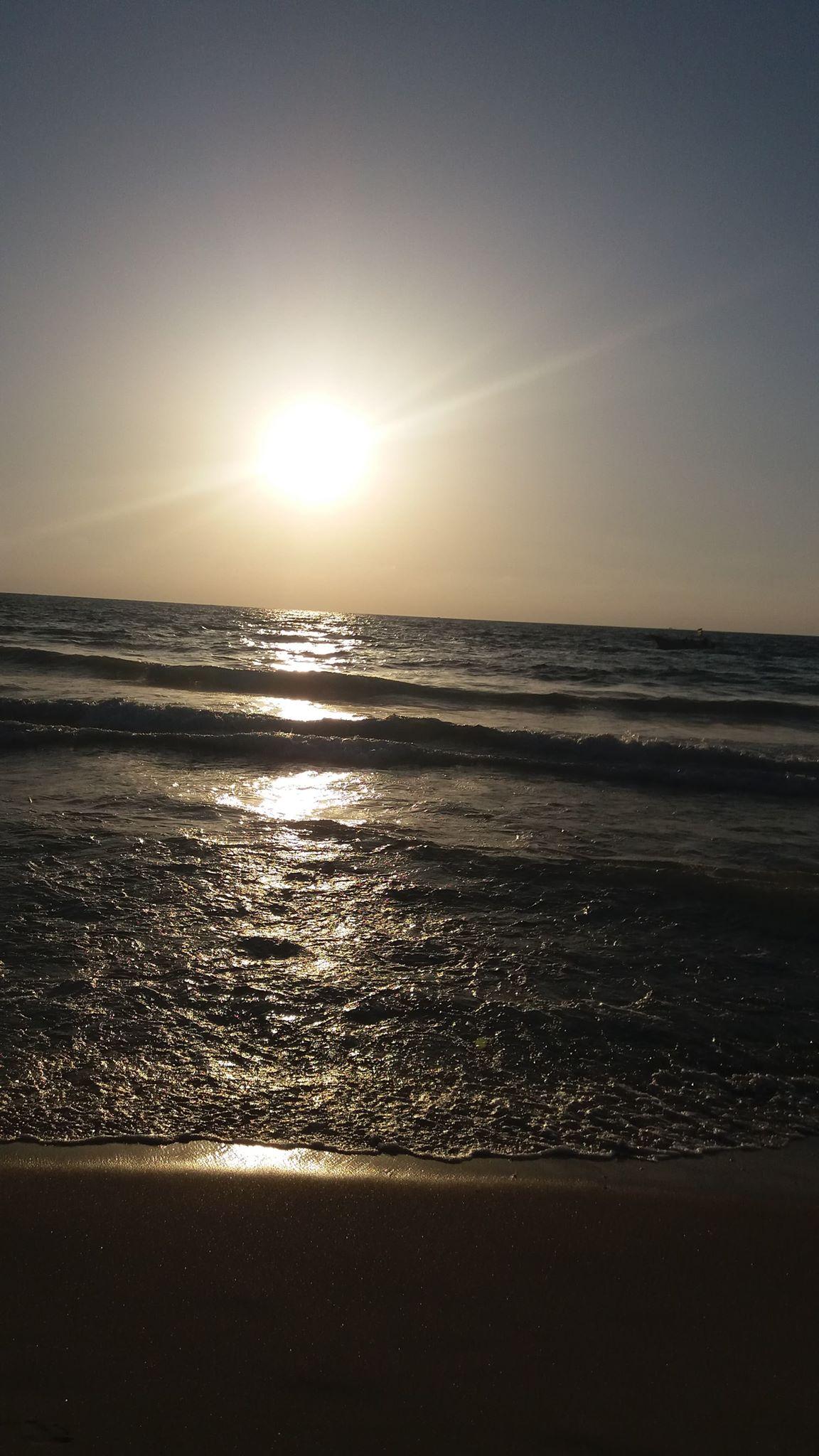 شايف البحر كبير البحر بحبك 1536040189555.jpg