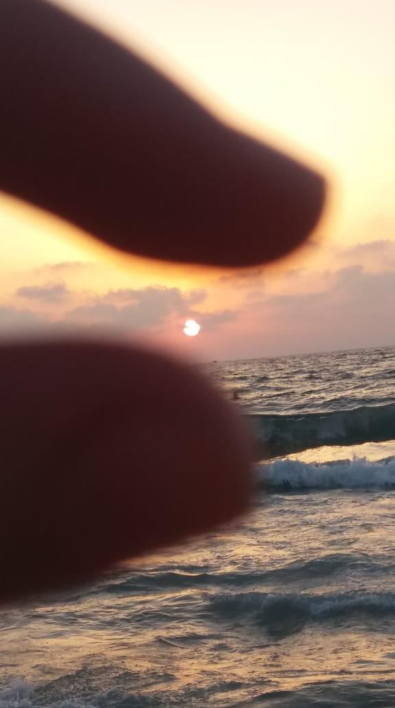شايف البحر كبير البحر بحبك 1536040189679.jpg