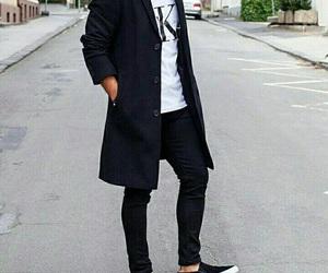 صور ملابس للشباب حديثة اوربية 1536937904414.jpg