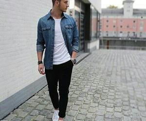 صور ملابس للشباب حديثة اوربية 1536937904427.jpg