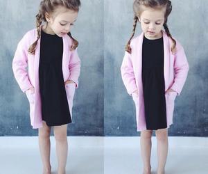 اجمل كولكشن ملابس بالوان مبهجة للاطفال 1541505548372.jpg