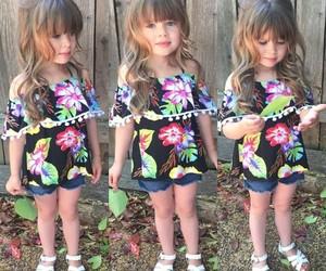 اجمل كولكشن ملابس بالوان مبهجة للاطفال 1541505548373.jpg