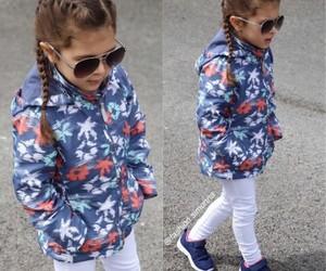 اجمل كولكشن ملابس بالوان مبهجة للاطفال 1541505548385.jpg