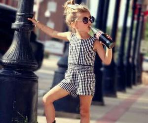 اجمل كولكشن ملابس بالوان مبهجة للاطفال 1541505548396.jpg