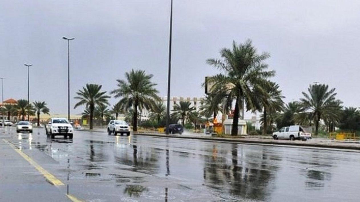 الأرصاد استمرار الأمطار الرعدية منطقة.. 1541770571123.jpeg