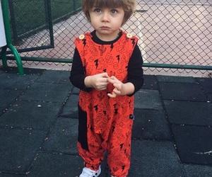 ملابس اطفال بنقشات مبهجة 1546974155083.jpg