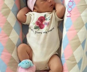 ملابس اطفال بنقشات مبهجة 1546974155094.jpg