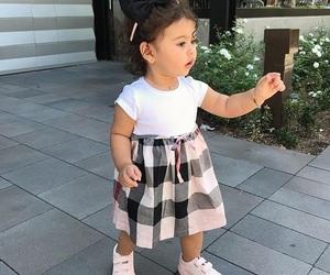 ملابس اطفال بنقشات مبهجة 1546974155095.jpg