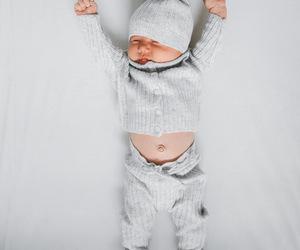ملابس للرضع شياكة 154697434766.jpg