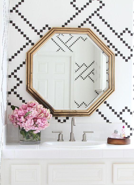 اجمل تصاميم جدران للحمام بألوان 1561411179276.jpg