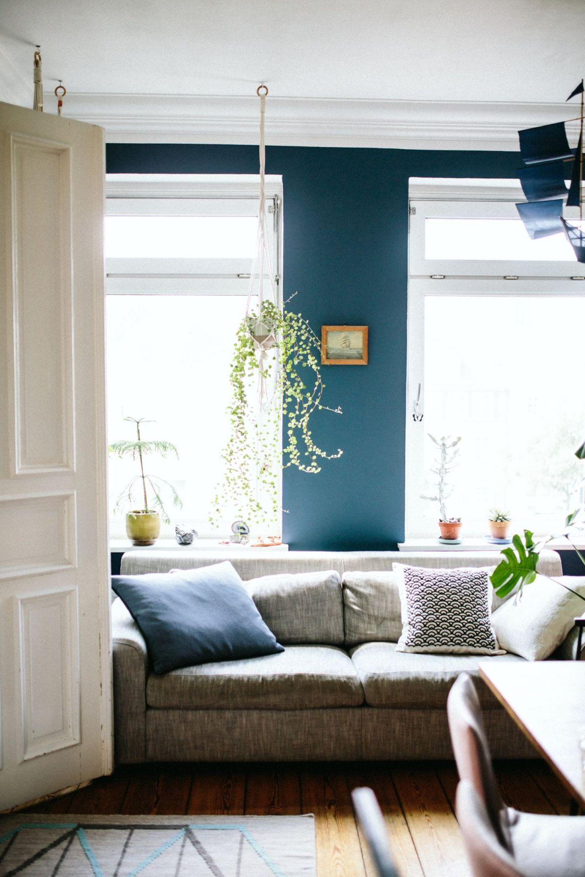ديكورات معيشة باللون الازرق تبعث 1561412545173.jpg