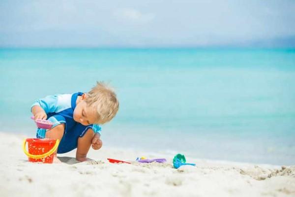 نصائح لصحة طفلك الذهاب الشاطئ