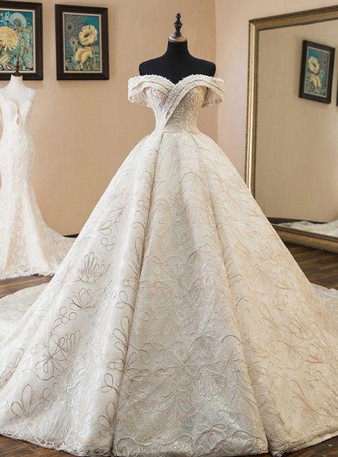 فساتين زفاف منفوشة فخمة وانيقة 1578927909684.jpg