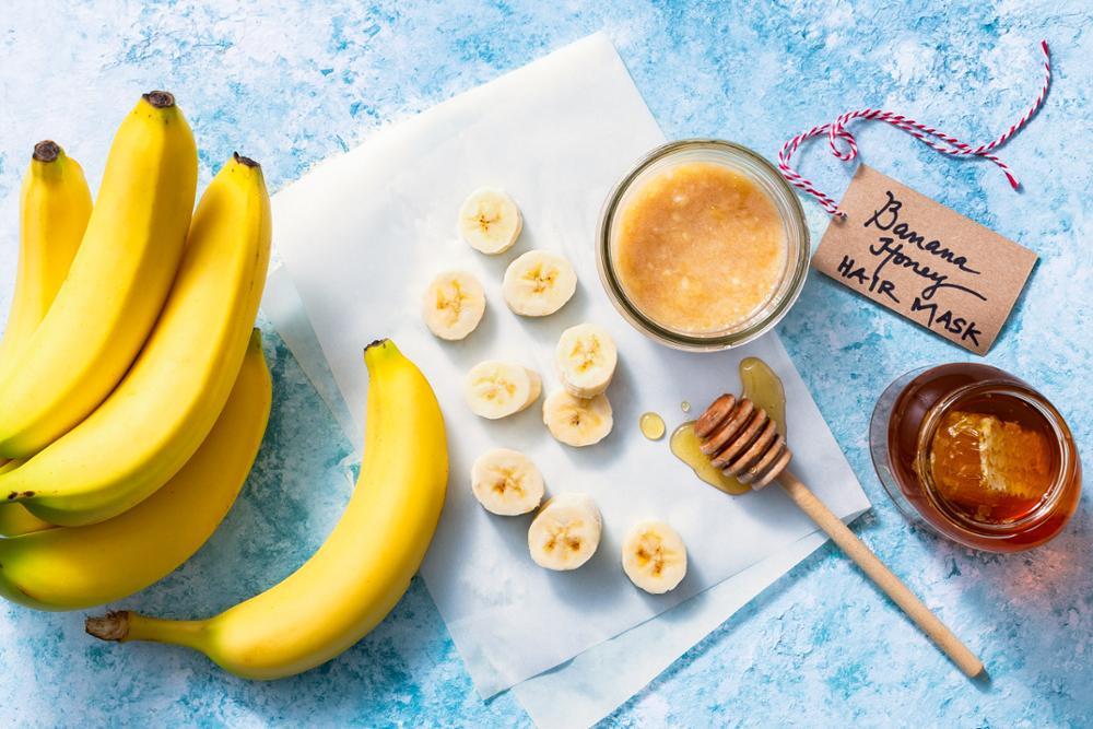 طريقة عمل خلطة الموز والعسل للعناية بالشعر حصري 2020 1579177055161.jpg