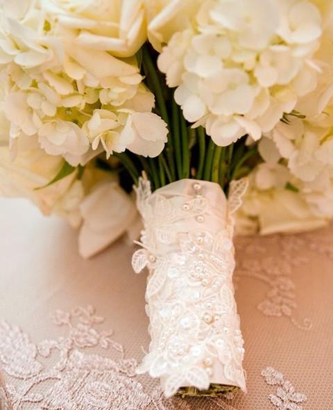 مسكات ورد انيقة ورقيقة للعروس 1580846632291.jpg