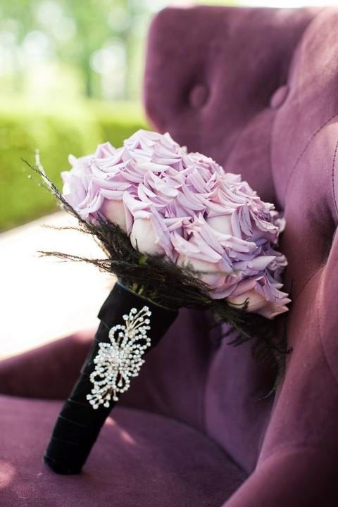 مسكات ورد انيقة ورقيقة للعروس 1580846632323.jpg